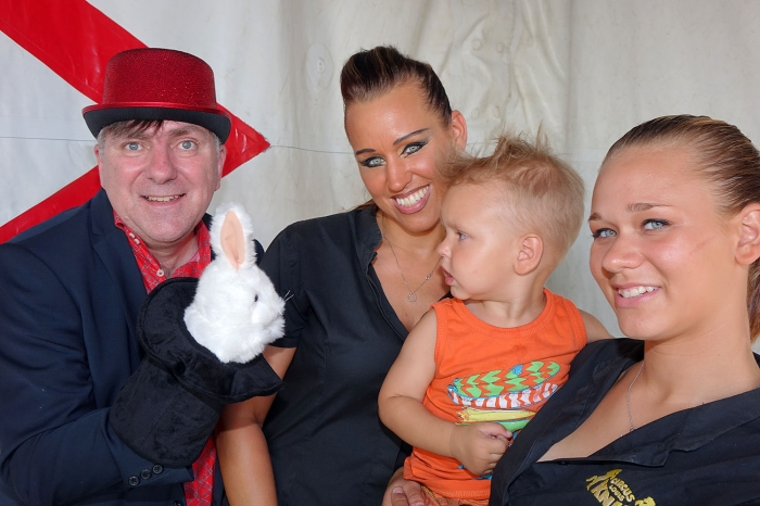 Magic Hans meets Circus Louis Knie